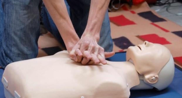 تنجداد: جمعية أساتذة التربية البدنية تنظم دورة تكوينية في مجال الإسعافات الأولية..