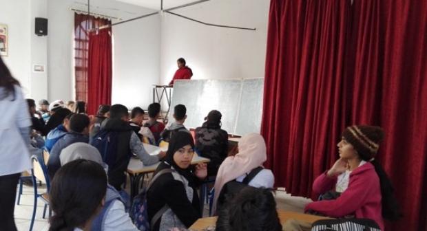 ثانوية الحين الثاني آسفي: نادي الصحافة والإعلام يختتم الأسدس الأول بورشات حقوقية